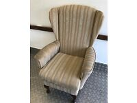 Gorgeous Hand Made Shackleton High Back Windsor Armchair. Excellent Condition. Can Deliver.