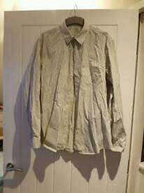 Men's GAP long sleeved shirt