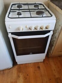Indesit cooker for immediate sale by thursday 9th of August at 10.30