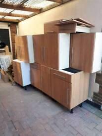 10 Kitchen cupboards 5 base units 5 wall units