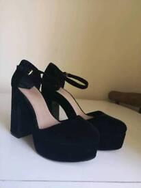 Stradivarius Velvet Heels - Size 5
