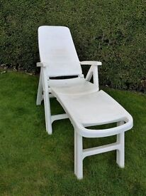 RECLINING GARDEN CHAIR / LOUNGER
