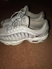 Nike Air Max Tailwind (size 7)