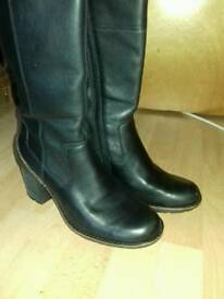 Clarks leather boots 6.5