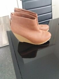 H&M ankle boots size 4