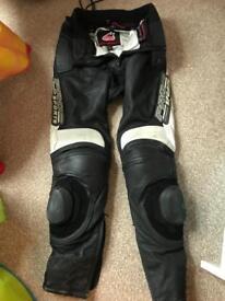 Motorcycle leathers hein gericke 30/32