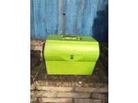 Green document box file