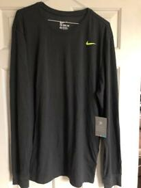 Nike DRI-FIT long sleeved Tee XL