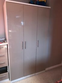Kensington Gloss Bedroom Furniture. Wardrobe and Drawers