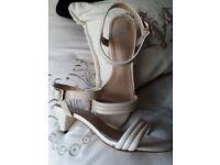 Ladies sandals size 5