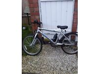 20IN APOLLO MOUNTAIN BIKE 7 TO 9 YRS GRT COND