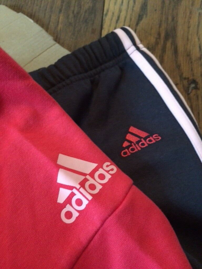 Baby girls Adidas tracksuit 12-18mnth Brand new