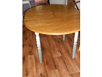 DINING TABLE / KITCHEN TABLE EXTENDABLE PAINTED DISTRESSED SHABBY CHIC