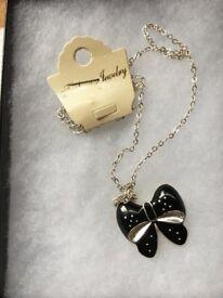 Ladies necklace 01
