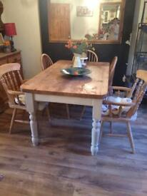 Lovely solid pine table and 5 chairs