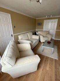 Settee / sofa and two armchairs