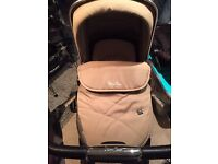 Used Silvercross Wayfarer Pebble pram in very good condition.