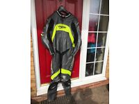 MOTORBIKE TEKNIC LEATHER SUIT SIZE 48 EXCELLENT CONDITION
