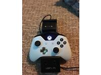 Xbox one pad and charger