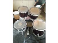 Accoustic drum set