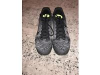 Mens Nike Air Max Trainers Black and White Size 10