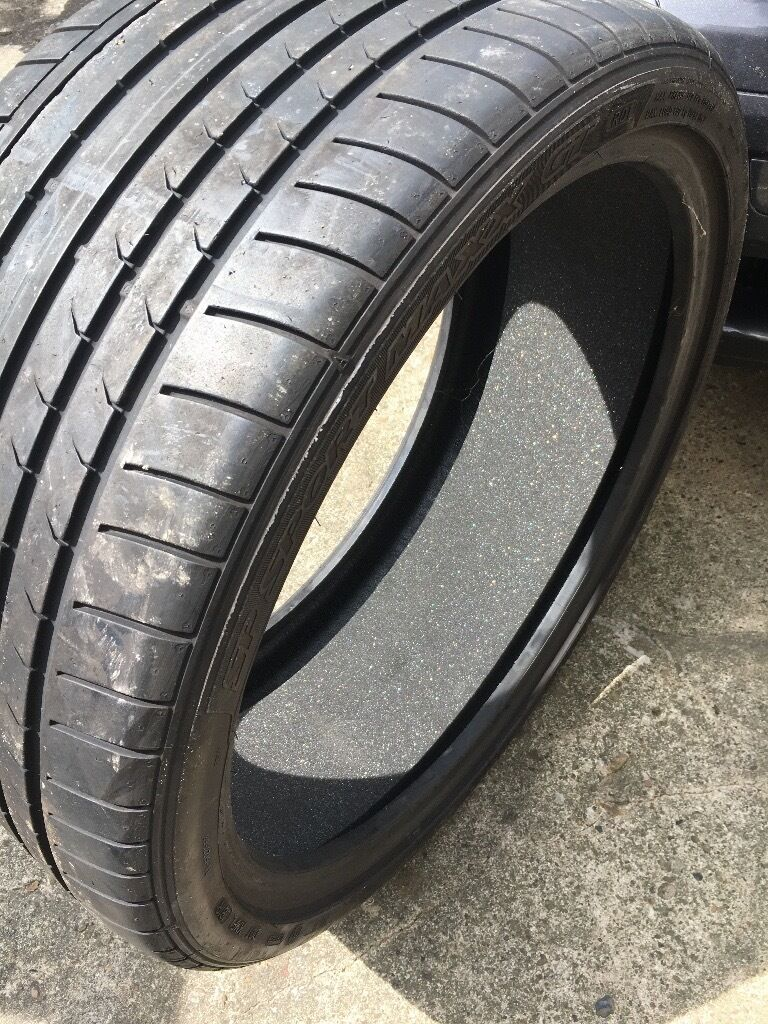 Dunlop SP Sport Maxx GT 285/ 30 R21 Set Of 4 tyresin Bradford, West YorkshireGumtree - Was brought as spares but sold my car before I even got a chance to fit these Have covered 1000miles from new So still have approximately 7 8mm thread on them all No punctures or repairs I am wanting £500 for all 4 tyres Such a bargain Collection...