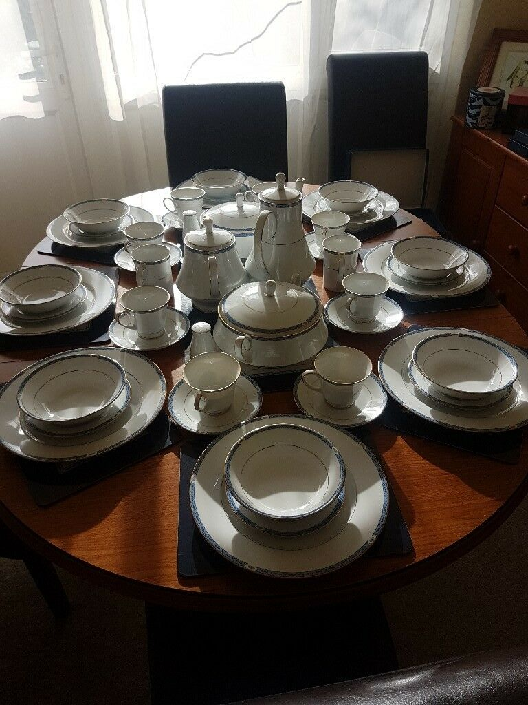 Blenheim Fine China 8 Place Setting Dinner Service In