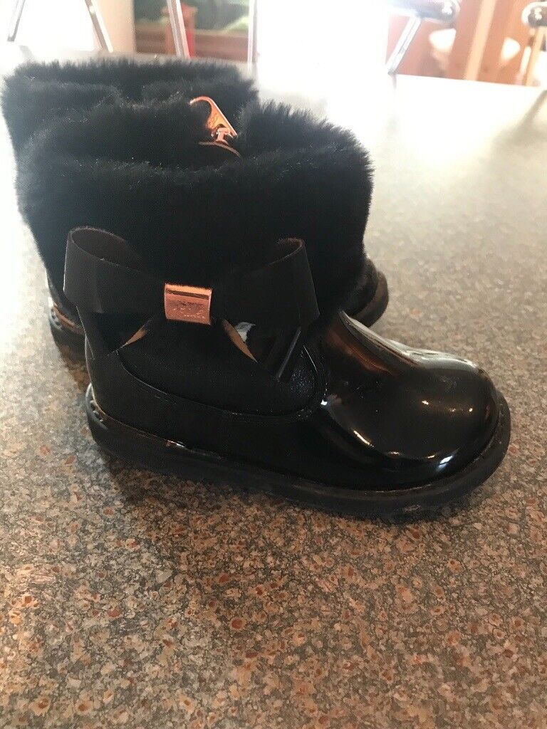 65a8cbb7857ab Baker by Ted Baker Girls Black Patent Fur Boots - infant size 7 - like new  - beautiful boots