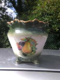 Beautiful Staffordshire Pottery Vase   great condition £7