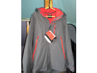 BRAND NEW Men's Oakley Spur 3-in-1 Ski/Snowboard jacket with RECCO in Grey/Red. Size Medium.