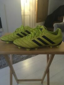 ADULT ADIDAS FOOTBLL BOOTS SIZE 10