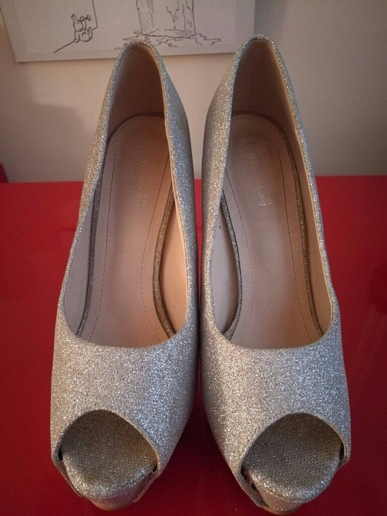 Beautiful Leng Yan Nv Lang designer shoes - size 41/ 7