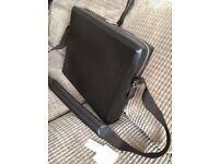 Louis Vuitton LV Monogram Glace leather STEVE messenger bag Used twice also Gucci Prada Louboutin