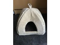 Igloo Style Cat Bed and Cushion