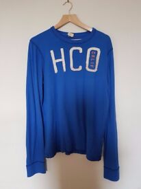 Hollister long sleeved blue t-shirt excellent condition