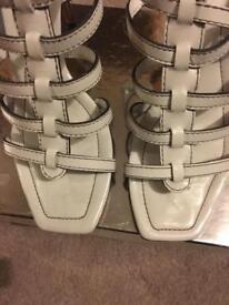 Karen Millen heels size 6