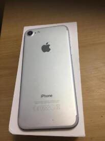 iPhone 7 32gb white excellent condition unlocked