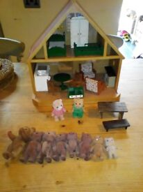 Vintage Sylvanian families country cottage with furniture and figures