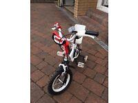 Apollo Lulu Kids Bike (includes knee pads and helmet)