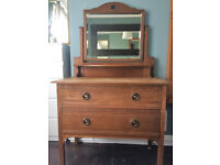 ARTS AND CRAFTS SOLID OAK CHEST OF DRAWS DRESSING TABLE WITH MIRROR