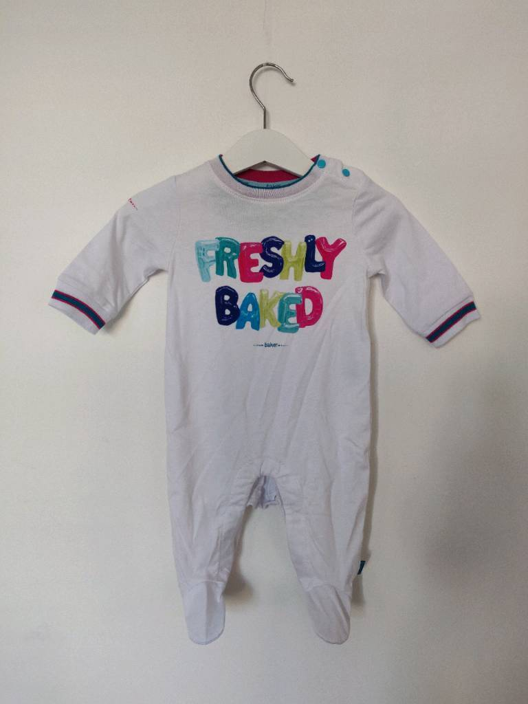 9cb0ed4bcbbb2 Ted Baker Baby Grow Sleepsuit 0-3 Months