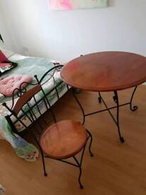 4 solid wood chairs and round table
