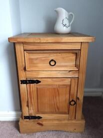Lamp table/ bedside table