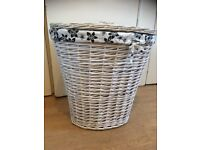 White willow linen basket bin