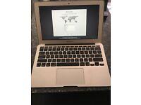 """MacBook Air 11"""" 8GB Ram/500GB HDD/2Ghz i7/Sierra OS"""