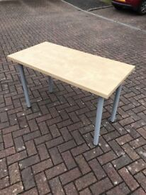 Laminate Office table with screw in legs.
