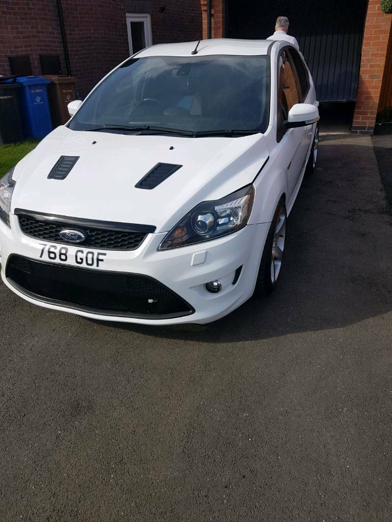 focus st 225 facelift bonnet with fitted vents in littleover derbyshire gumtree. Black Bedroom Furniture Sets. Home Design Ideas