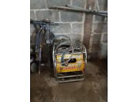 Hydraulic beaver concrete breaker excellent working order