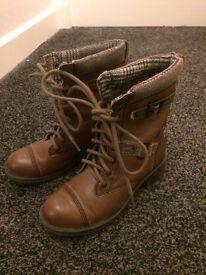 Rocketdog Size 4 Military tan boots