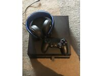 PS4 excellent condition controller and wireless PS4 headphone